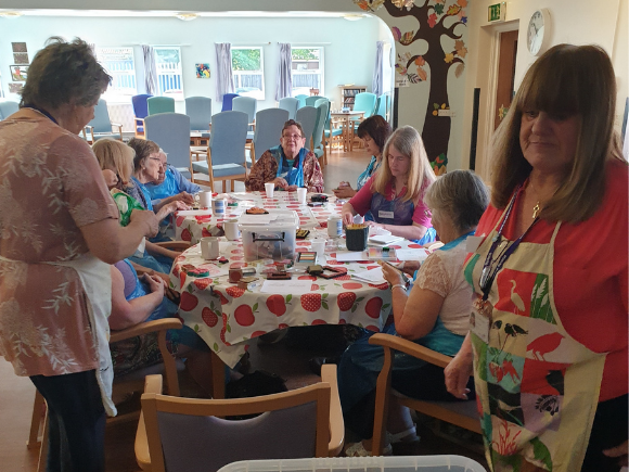 People living with dementia get creative for local hospital
